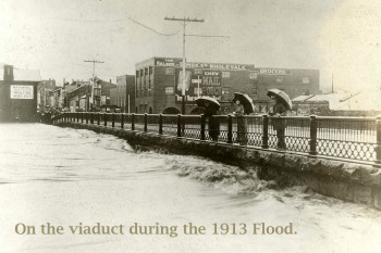 Mt. Vernon Viaduct in 1913 Flood